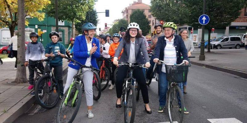 Foto del Paseo en bici con Aleksandra Dulkiewicz, alcaldesa de Gdansk, Premio Princesa de Asturias a la Concordia 2019 - 30 Días en Bici Gijón
