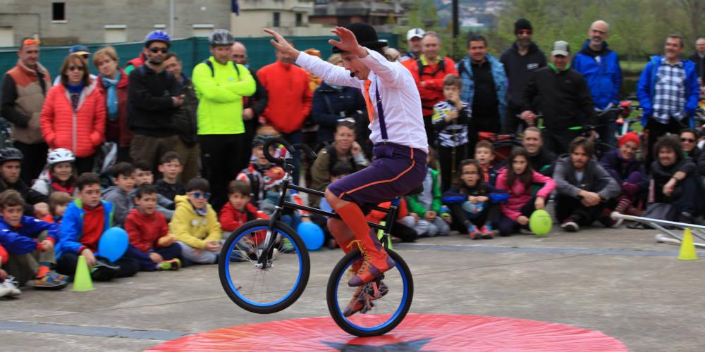 Foto de clown en bici de Fiesta #mejorenbici - 30 Días en Bici Gijón