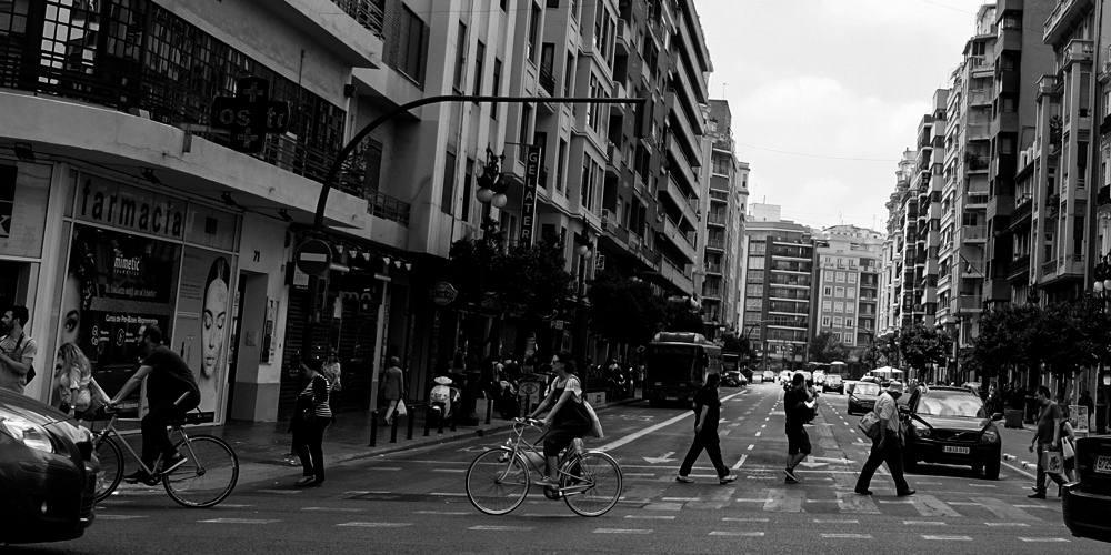 Foto de Ciclistas urbanos pedaleando - Lunes de cultura Ciclista 1 - 30 Días en Bici Gijón