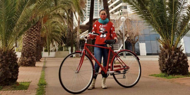 """Foto de la Ganadora del Sorteo """"Arranca tu 2021 sobre ruedas con 30 Días en Bici"""""""