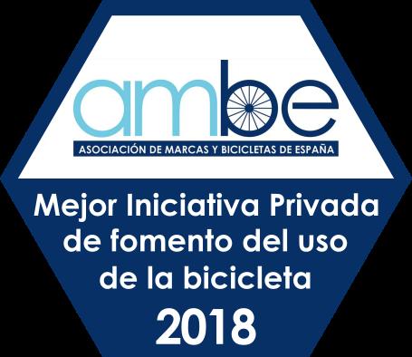 Badge de los Premios AMBE 2018 a la Mejor Iniciativa Privada de Fomento del Uso de la Bicicleta - 30 Días en Bici
