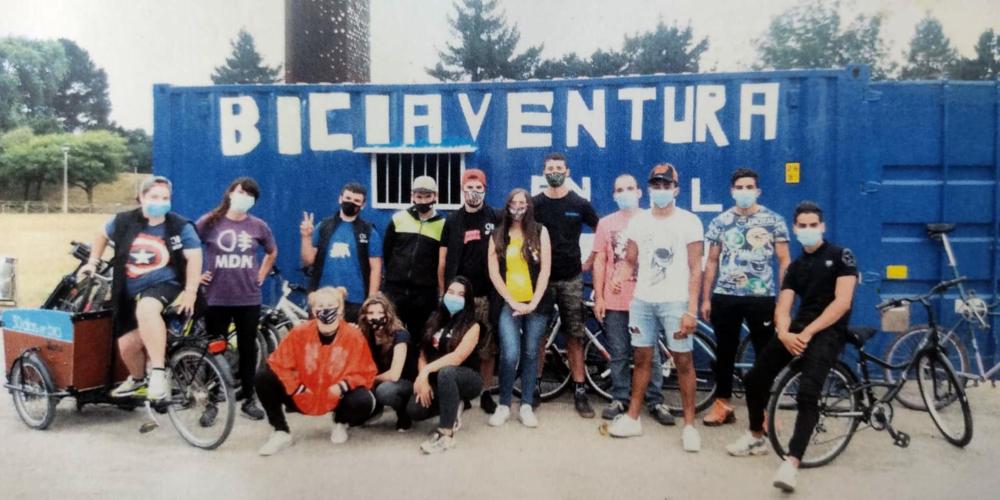 Foto del equipo de Biciaventura el día mundial de la bicicleta - 30 Días en Bici Gijón